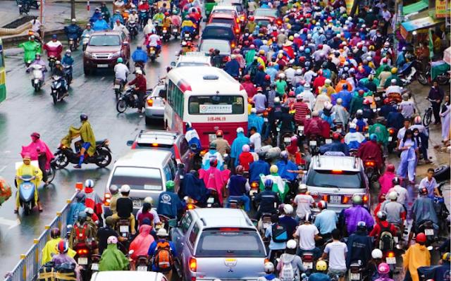 Giao thông ùn tắc đang trở thành vấn nạn tại các TP lớn
