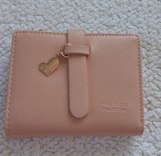 www.dresslily.com/pu-leather-design-wallet-for-women-product1549915.html?lkid=461745
