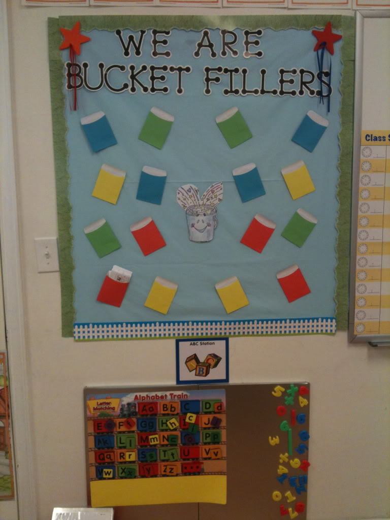 Classroom Setting Ideas ~ Bucket filler bulletin board and activities ideas