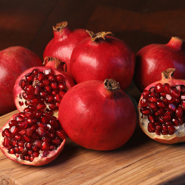 Pomegranate-fruits-seeds