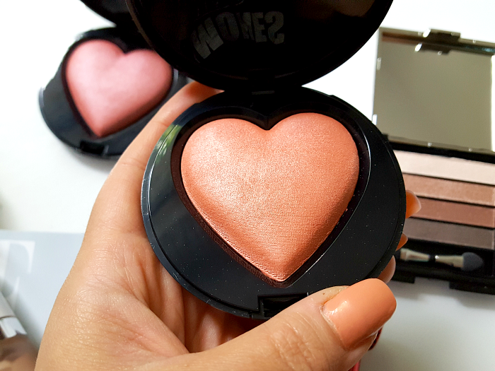 Mary Kay - Beauty that Counts Baked Cheek Powder - je 31.- Euro Kind Heart