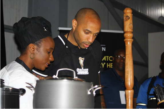 Thierry-Henry-in-Nigeria-learns-how-to-cook-Nigeria-Jollof-Rice-1