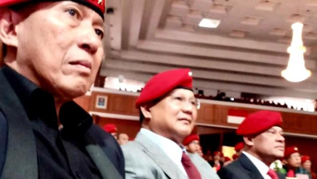 Prabowo-Gatot Duduk Bersanding di HUT ke-66 Kopassus