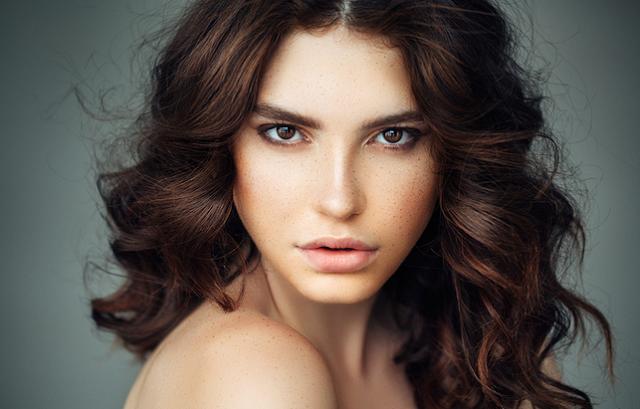 bagaimana cara merawat rambut ikal dengan baik