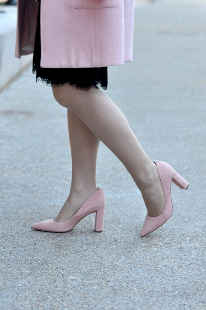 pale-pink-heels-outfit