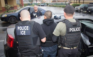 Maricopa County Sheriff's Office: No More 'Courtesy Holds' For Federal Immigration Agents