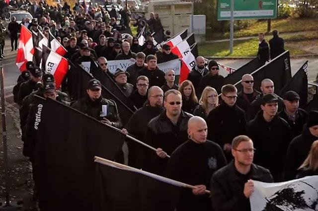 Der Spiegel: Οι αμερικανοί νεοναζί διεισδύουν στη Γερμανία