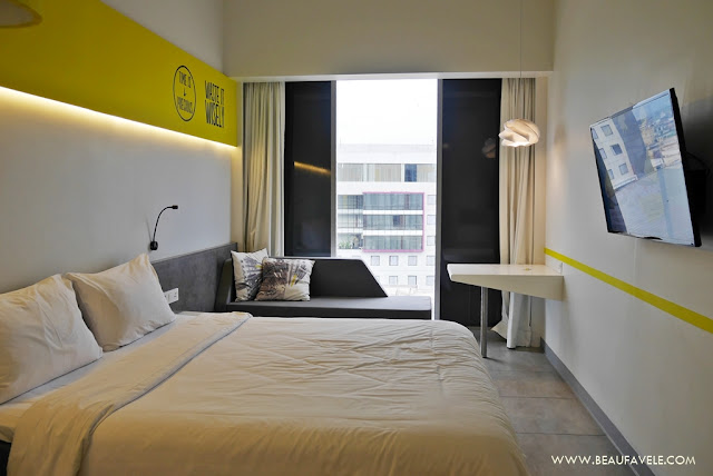 Kamar tipe Yello Room Queen Bed
