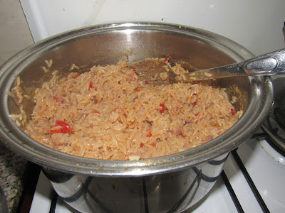 Cooking coconut rice with tomatoes and vegetables step by step 011