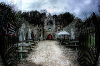 Oltre Il Soffitto Di Vetro Austin : The candelabra of italy lu caminu di danti n west wycombe il