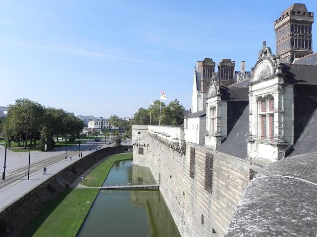 Vista a partir do Muro do Castelo para o lado de fora - Castelo dos Duques da Bretanha - Nantes - França