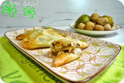 pañuelitos de pera, gorgonzola y nueces