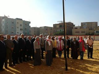 محافظ القليوبية يفتتح مدرستين بمدينة العبور ويحضر طابور الصباح مع الطلاب