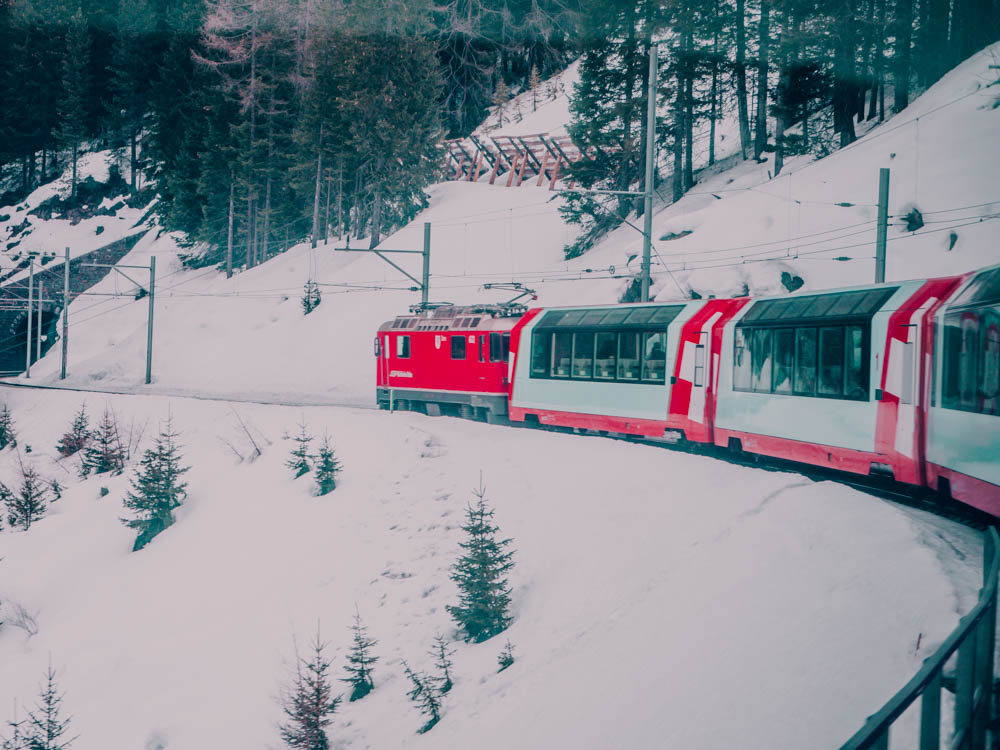Le Glacier Express, le train le plus lent du monde - Bernina Express - Suisse - laquotidiennedele