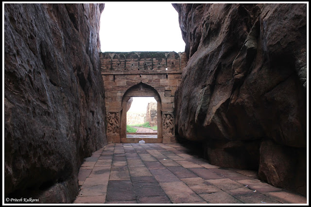 Way to Lower Shivalaya, Badami