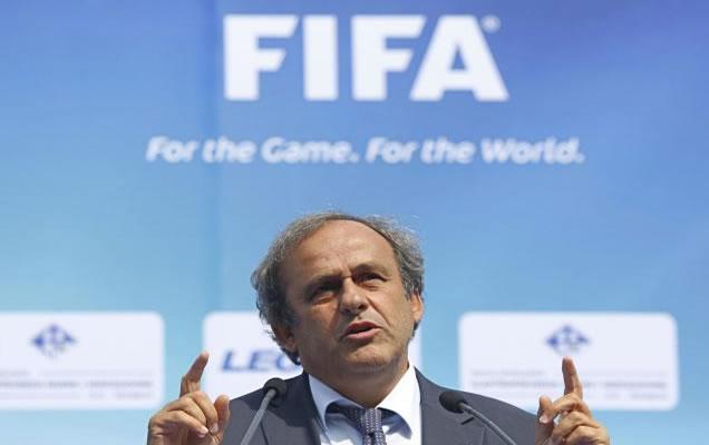 adidas quiere a Platini al frente de la FIFA
