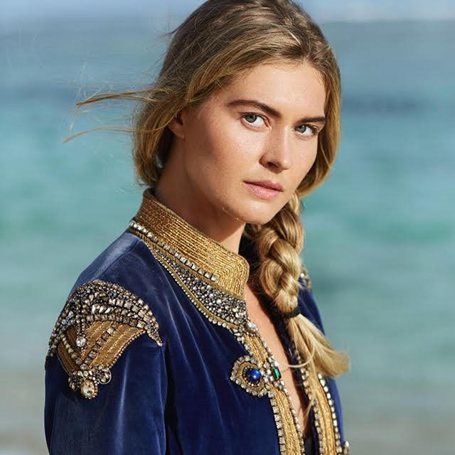 Julia Conley 7