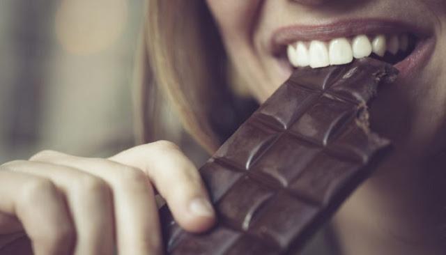 Ο βήχας σταματάει με σοκολάτα