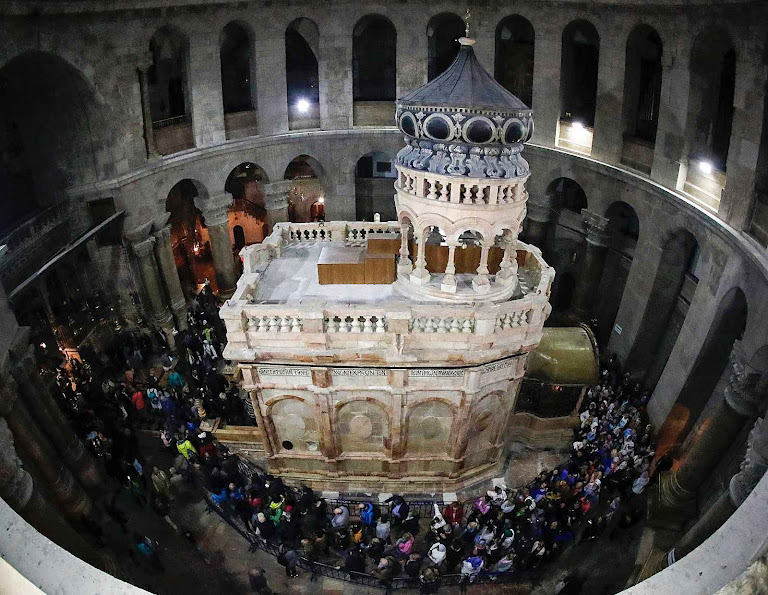O Santo Sepulcro restaurado já reaberto aos fiéis