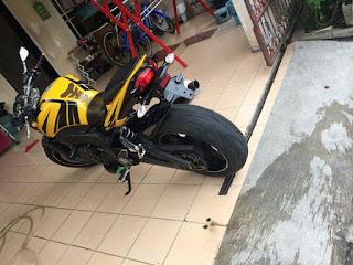 Yamaha FZ1 tahun 2010/2011 NP - JAKARTA
