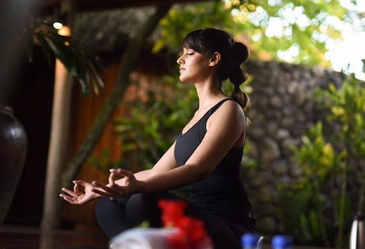 Ileana D'Cruz reminisces about her morning coffee and a' lil' bit of yoga'!