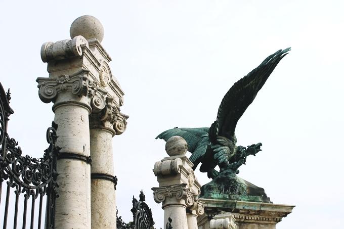 Budapest sightseeing tour: Buda Castle and Royal Palace.Budimpesta tura razgledanja,Budimska tvrdjava i Kraljevska palata.What to see in Budapest.Royal Palace entrance.