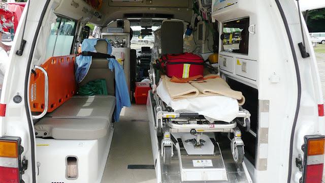 España: Dos trabajadores sanitarios violan a una mujer en una ambulancia