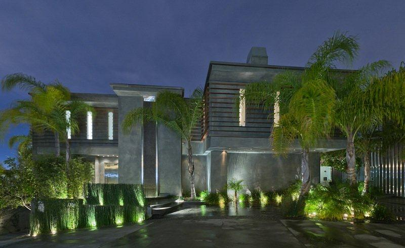 Passion For Luxury Bachelor House