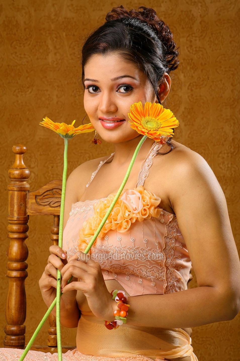 Indian Actress Red Saree Hot Photos Gallery|| Indian ...