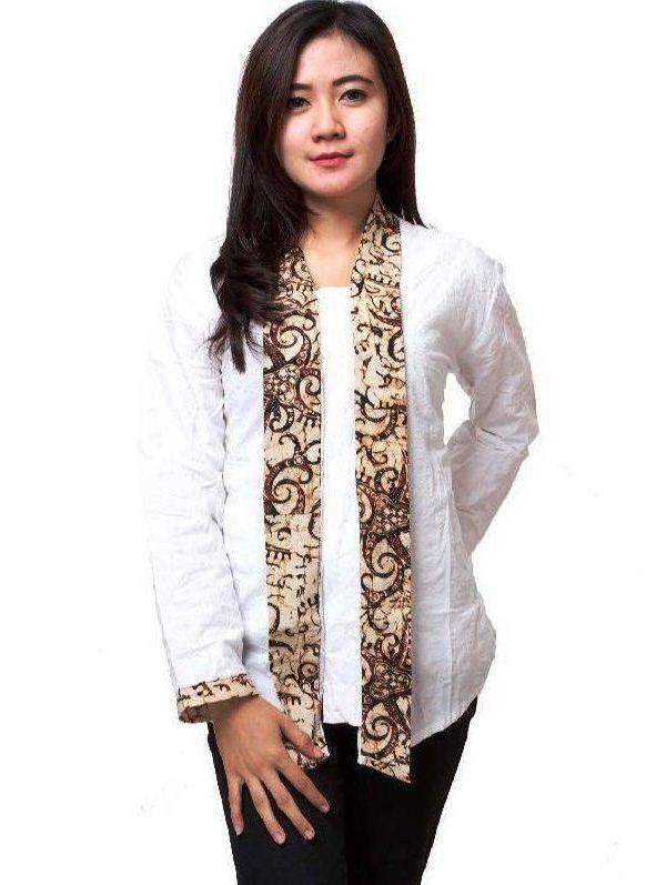 Model Baju Batik Kantor Wanita Lengan Panjang