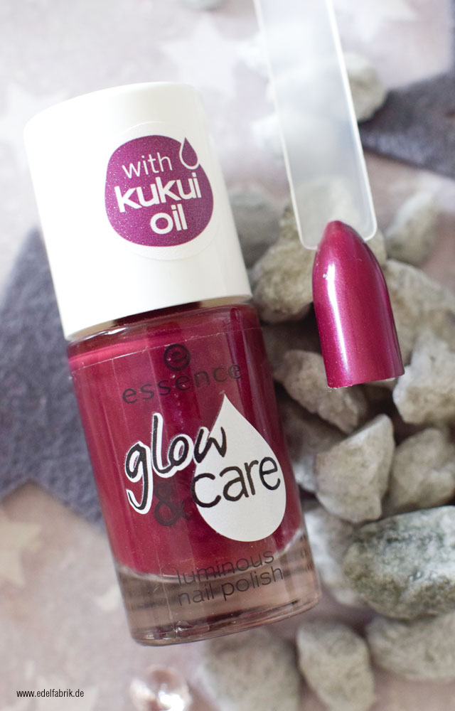 essence glow and care / 06 berry caring, swatch