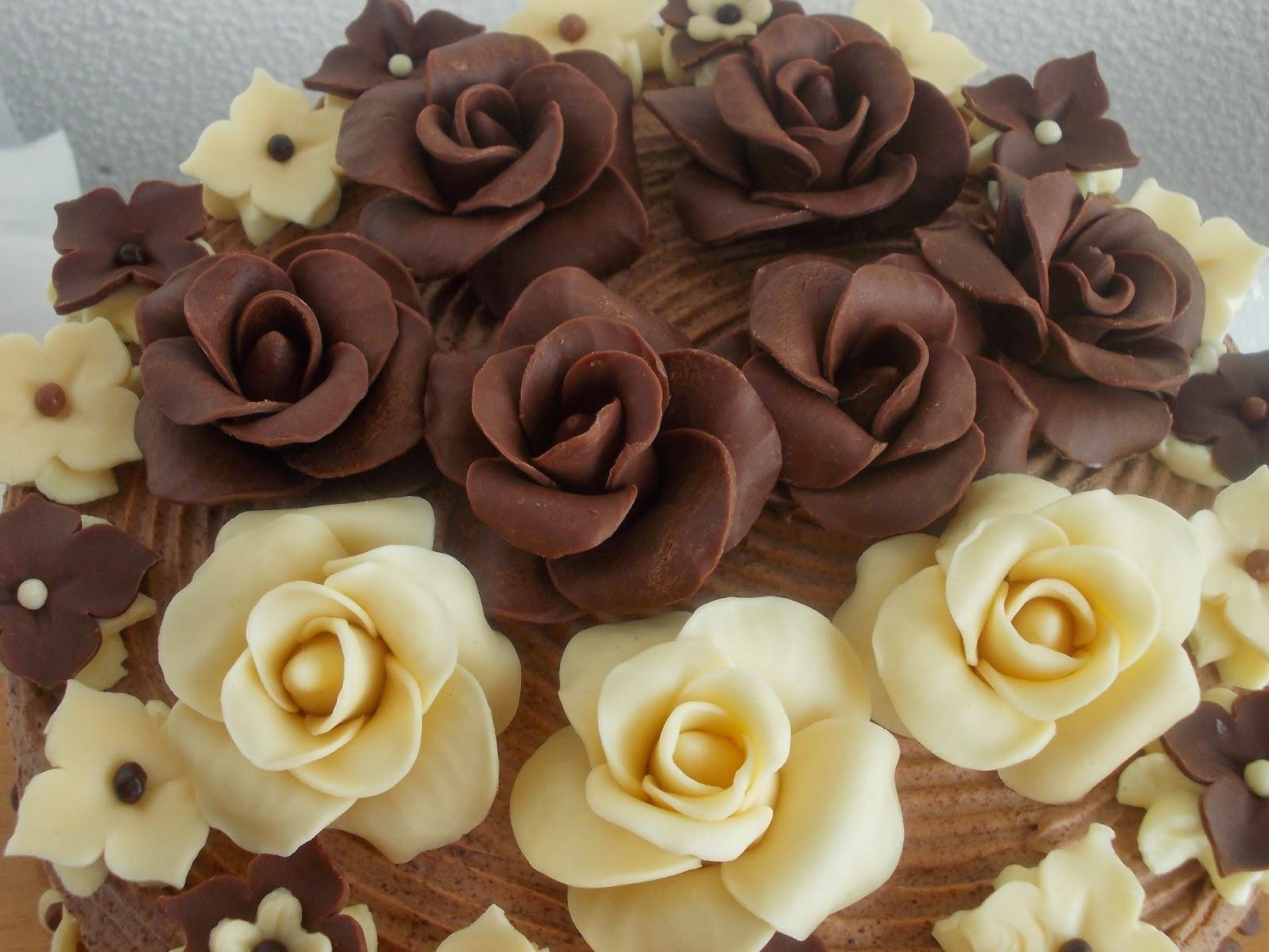 boldog születésnapot csoki muffinomatsutok: Csokis rozsa torta boldog születésnapot csoki