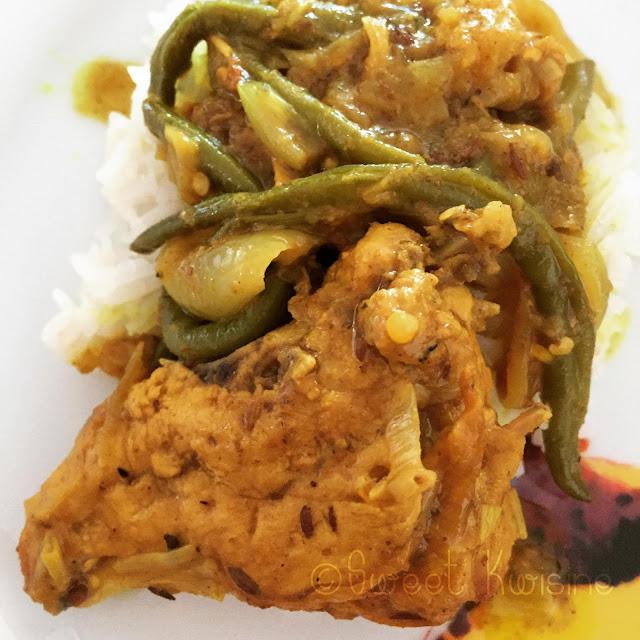 Sweet Kwisine, poulet, colombo, colbou, curry, graines à roussir, pâte à colombo, cuisine antillaise, martinique, aubergine, haricots verts