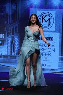 Actress Amyra Dastur Walk On Ramp for Designer Karn Malra at LFW Summer 2017  0002.jpg