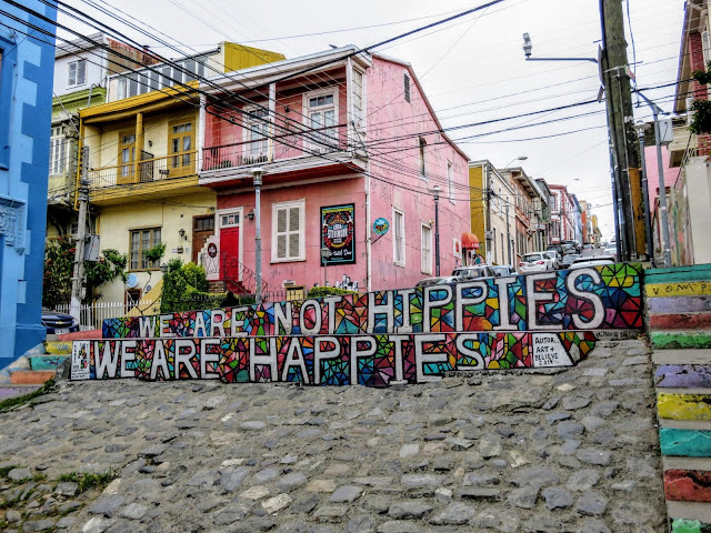 Valparaíso Street Art: We are not Hippies, We are Happies