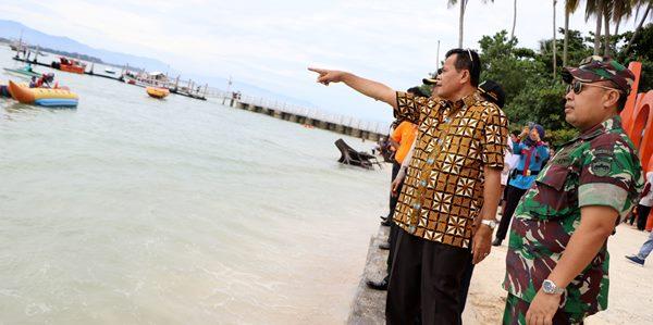Mukhlis Imbau Pedagang di Pulau Angsoduo Jaga Kebersihan
