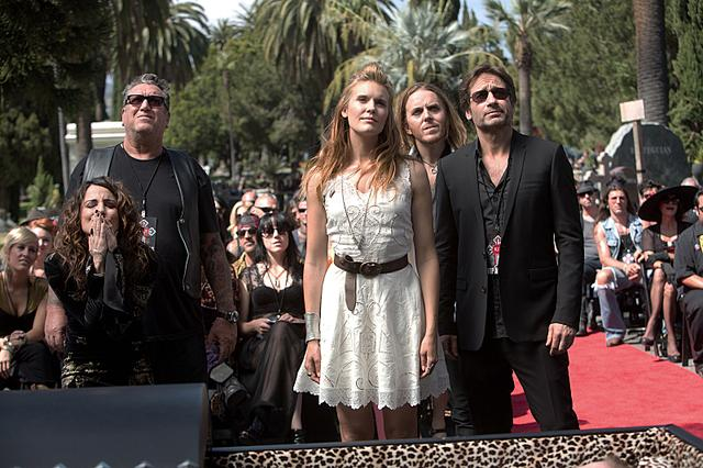 Californication - Californication - 6x03 - Dead Rock Stars Californication+ +Episode+6.03+ +Dead+Rock+Stars+ +Promotional+Photos+(6) FULL