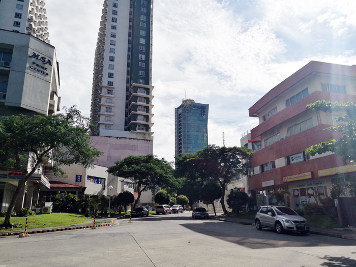 Hotel Review B Hotel Alabang Bellevue Manila Drowning Equilibriums Aisa Ipac Engagement