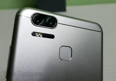 Asus Zenfone Zoom S Unboxing & Photo Gallery