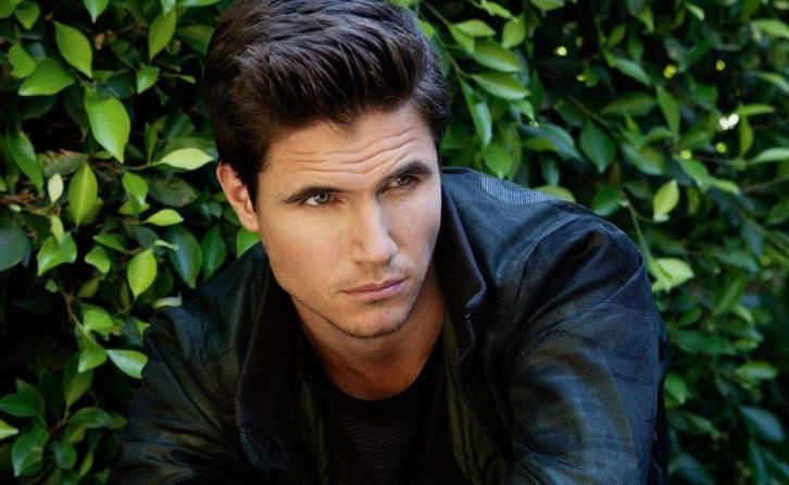 Upload - Robbie Amell to Star in Amazon Comedy Pilot