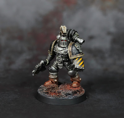 H.O.W. to: Iron Warriors Hazard Stripes.