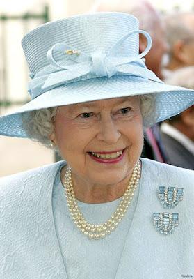 http://4.bp.blogspot.com/-jioj93wTPuY/VoLGqLFSs1I/AAAAAAAAD4c/pO1uuloyYdA/s400/63526047_15_queen_elizabeth_11908_430xx.jpg