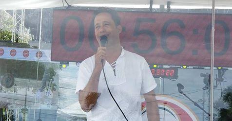 En VIVO-Carlos Silver, inicia cantando maratón 5 días lograr récord Guiness