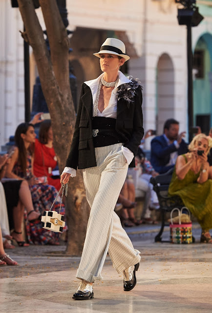 CHANEL SETS HAVANA AS A PICTURESQUE SCENE FOR ITS CARIBBEAN-INFUSED CRUISE COLLECTION