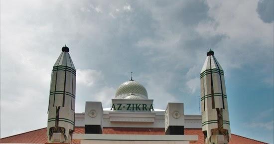 Dibimbing Ustaz Arifin Ilham, Seorang Dokter Masuk Islam