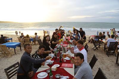 grup-wisata-dinner-jimbaran