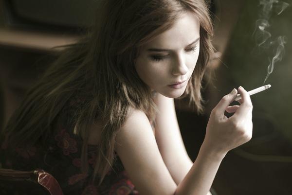 Inilah 7 Bahaya Merokok Bagi Kecantikan yang Wajib Diketahui!