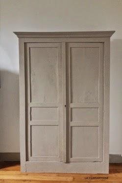 Diy relooker une armoire ancienne la clamartoise - Comment decaper une armoire metallique ...