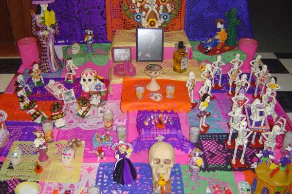 El Día De Muertos Es La Fiesta Favorita De Los Viajeros: Día De Muertos Vs Halloween!!! Dos Festividades Con Mucha