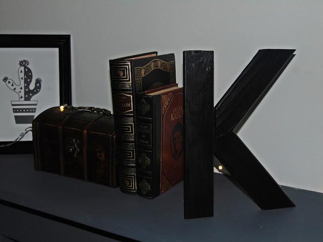 dekoracyjna literka z drewna